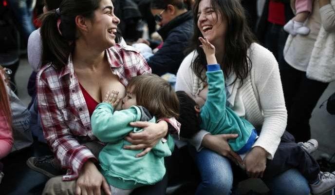 Le lait maternel, « premier vaccin des nouveau-nés », selon l'Unicef